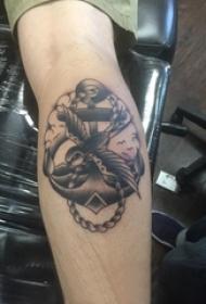 欧美船锚纹身 男生小腿上船锚纹身图片