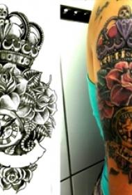 纹身皇冠简单 女生手臂上皇冠纹身图片