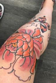 文藝花朵紋身 女生腿部文藝花朵紋身圖片