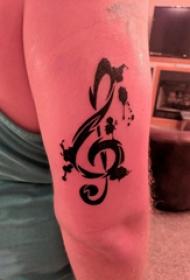 音符纹身 女生手臂上音符纹身图片