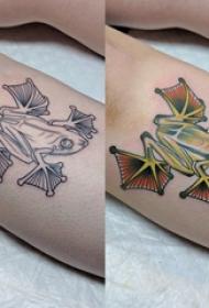 百乐动物纹身 女生小腿上彩色的青蛙纹身图片