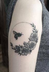 小蜜蜂紋身 多款小清新文藝紋身素描小蜜蜂紋身圖案