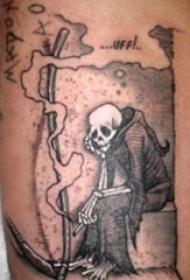 小腿對稱紋身 男生小腿上黑色的鐮刀死神紋身圖片
