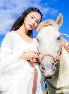 丽江旅行的清新女生唯美写真