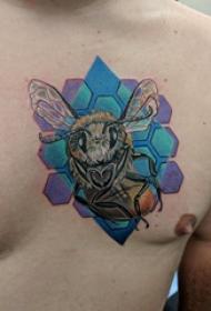 紋身胸部男 男生胸部蜂巢和蜜蜂紋身圖片