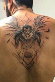 地獄紋身電影 男生后背上黑色的死神紋身圖片