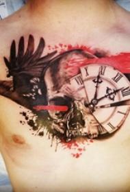 纹身胸部男 男生胸部乌鸦和时钟纹身图片