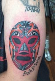 纹身面具 男生手臂上英文和面具纹身图片