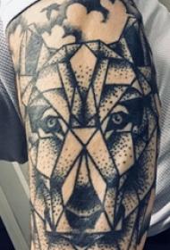 滴血狼头纹身  男生手臂上几何和狼头纹身图片