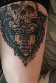 熊纹身  女生大腿上骷髅和熊纹身图片