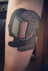 纹身3d图片  女生手臂上黑灰色的3d纹身图片