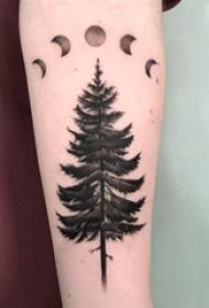 樹和月亮紋身圖案 男生手臂上月亮和樹紋身圖片