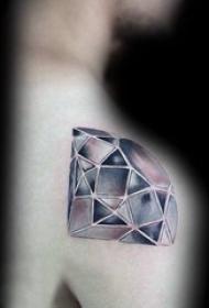 纹身钻石 男生后肩上黑色的钻石纹身图片