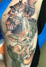 百乐动物纹身  女生大腿上彩绘的百乐动物纹身图片