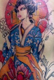 紋身后背女 女生后背上花朵和藝妓紋身圖片