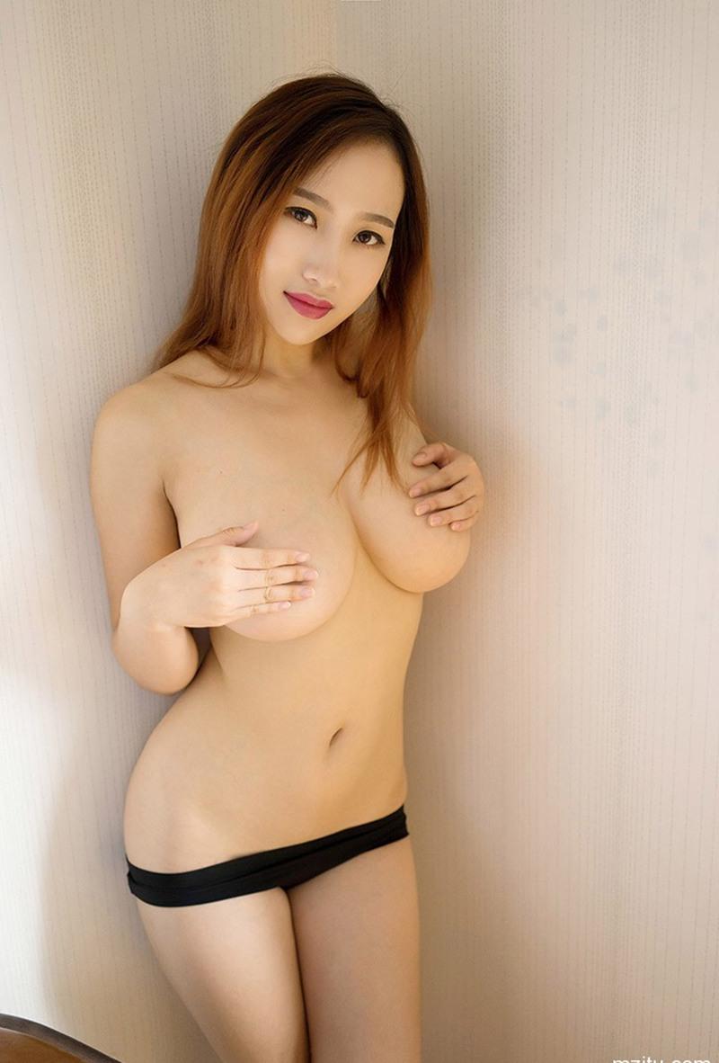 粉嫩美女闵妮Mily性感巨乳人体艺术写真