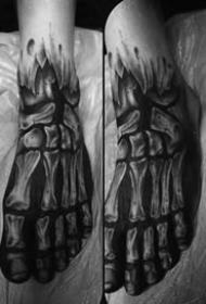 创意骨骼纹身图_10张男性黑灰点刺创意骨骼纹身图案作品