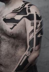 科技感满满的黑色图腾--新西兰纹身艺术家Georgie Williamsker纹身作品