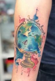 渐变色水彩纹身图案--9张漂亮的渐变色水彩纹身图片作品
