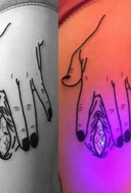 夜晚很漂亮的纹身图案搭配荧光纹身效果图欣赏