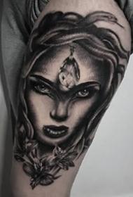 欧美暗黑风格的大黑灰写实纹身图案作品
