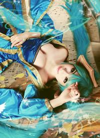 cosplay《英雄聯盟》琴瑟仙女娑娜