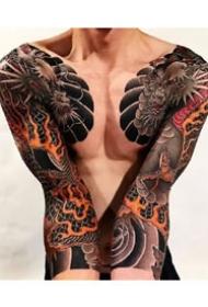 9张男士霸气的双半甲花臂纹身图案作品欣赏