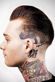 男士的复古油头与纹身的结合帅哥图片欣赏