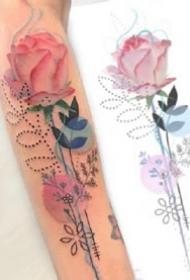 小臂上很好看的一组彩色花朵纹身图案9张