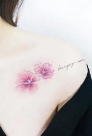 很小清新的一组女生小花朵纹身图案