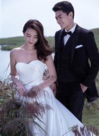 一组超浪漫的湖边婚纱拍摄图
