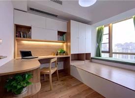 簡約干凈的榻榻米衣柜+書桌裝修效果圖片
