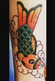 被挂住鱼嘴的一组才创意鱼纹身图案作品