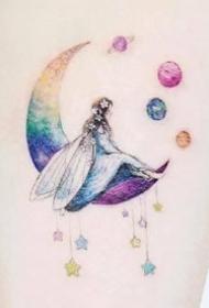 適合女生的小清新風格月亮等彩色小紋身圖案