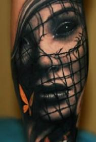 欧美写实风格的黑灰女郎人像纹身作品9张