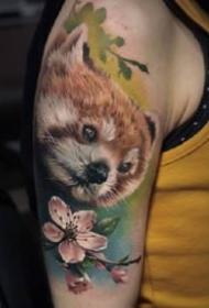 大神级的一组大臂腿部水彩写实纹身作品图案