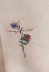 很小清新的十字架+玫瑰花的纹身图案欣赏