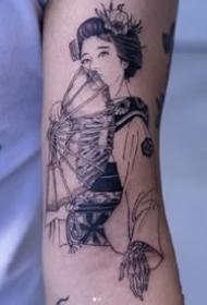 半骷髅风格等的创意女郎纹身作品图案9张