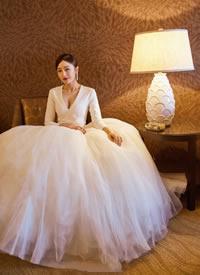 秦岚荣获第十四届中美电影节和中美电视节最佳女主角优雅大方 仙气十足