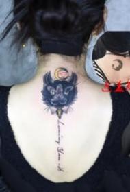 貓咪刺青:女士身上的好看小貓圖案紋身