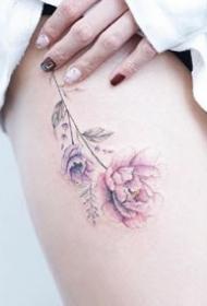 女生小清新:女孩子身上的唯美小彩色清新纹身图片