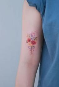 19张好看的手臂小清新简约花朵纹身图案