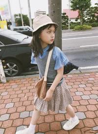 漂亮小女孩恬恬的生活拍摄图片欣赏