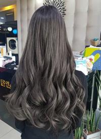 一组长发女生发型发色参考