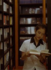 鄧恩熙圖書館清純寫真圖片
