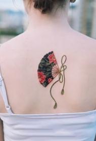 红色调的一组传统绳结纹身图案9张