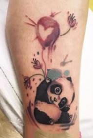 关于熊猫的一组创意小纹身图案