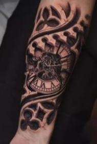 欧美写实风格的经典手臂纹身作品