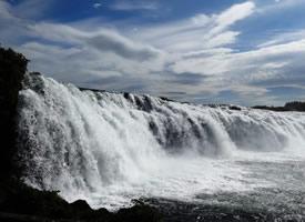一組宏偉壯觀的冰島馬鬃瀑布高清圖