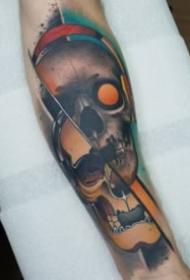 霸气侧露的包大臂骷髅纹身图案